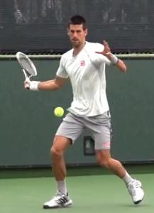 coup droit tennis appuis ouverts