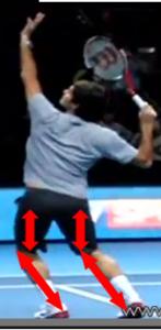 Pois reparti smash Federer
