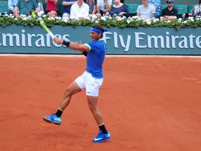 comment lifter au tennis