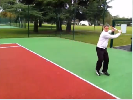 Revers tennis exercice puissance transfert jambe arrière
