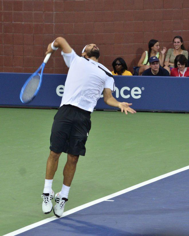 comment servir au tennis projection coude