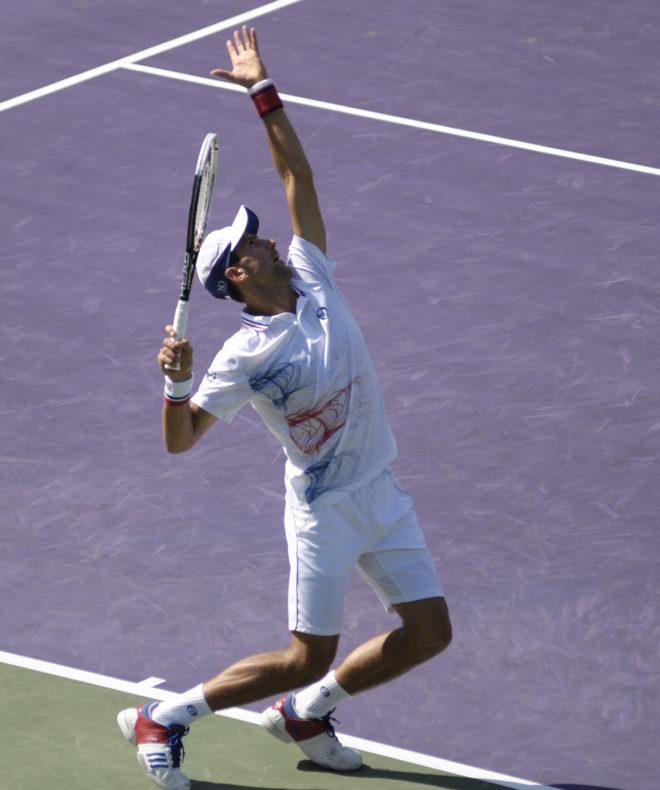 lancer de balle service tennis
