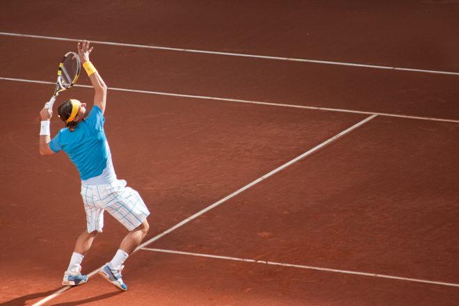 smash tennis position armée