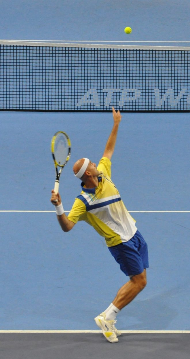 améliorer son service au tennis