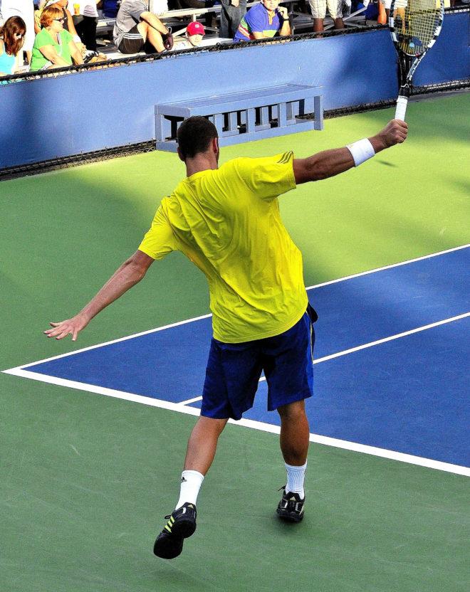 balle haute au tennis